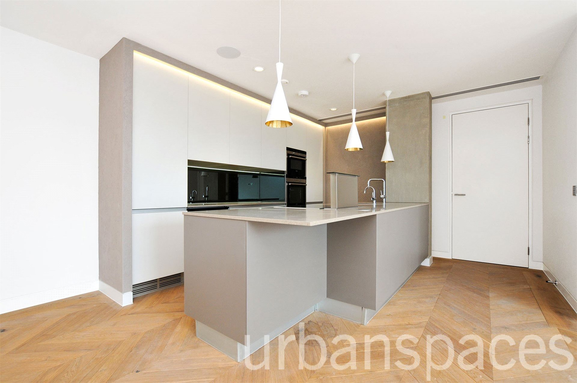 2 bedroom  Flat to rent in London EC2A